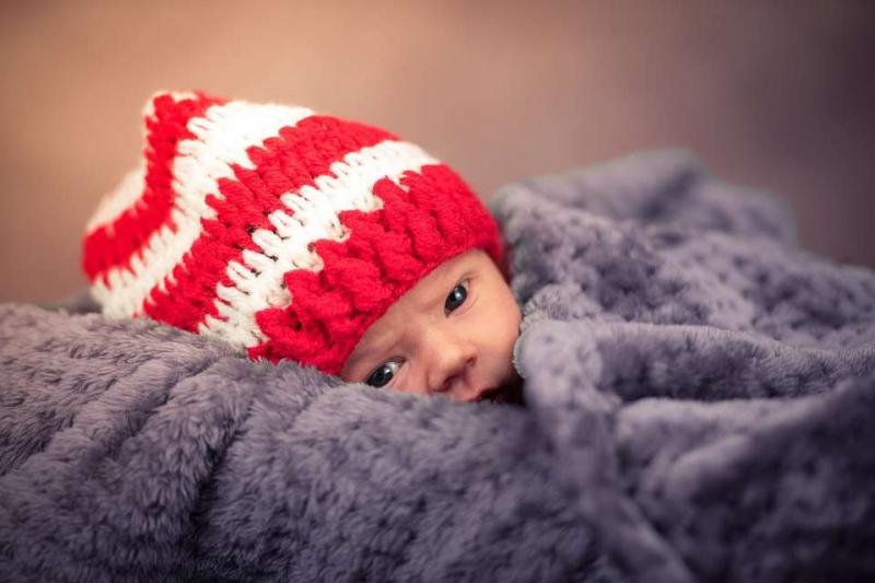婴儿头后仰原因是什么婴儿的头总往后仰怎么办