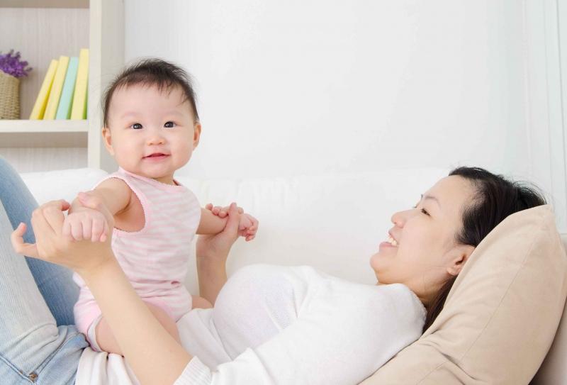 宝宝一惊一惊的怎么回事宝宝夜惊妈妈如何处理